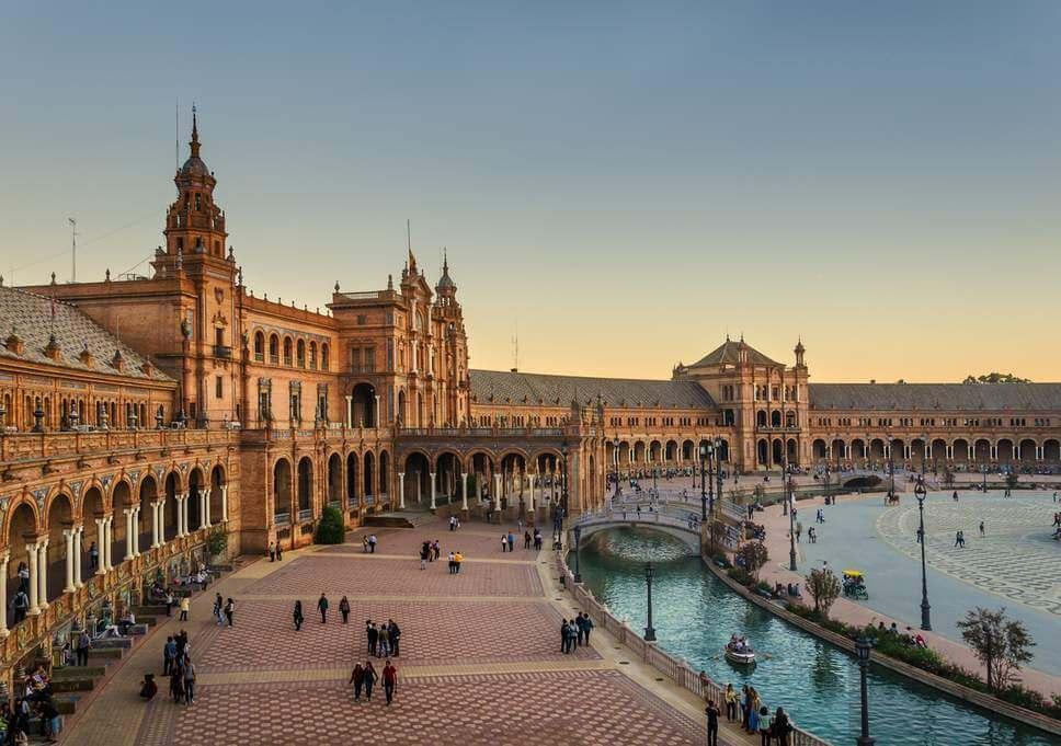 Sevilla, plaza de espania, camper trip road trip spain