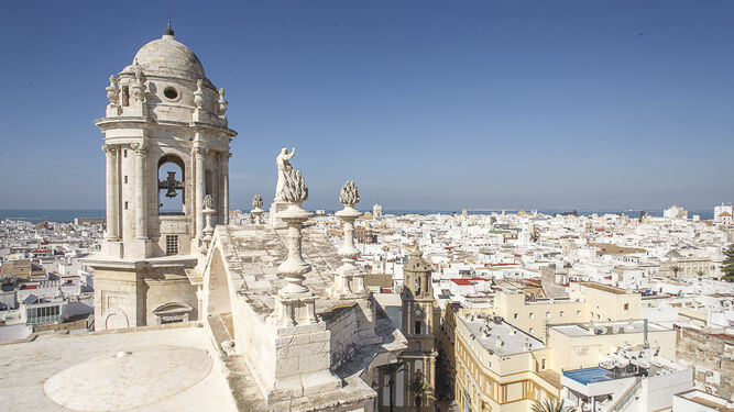 vist Cadiz, what to do in cadiz, spain holiday camper trip